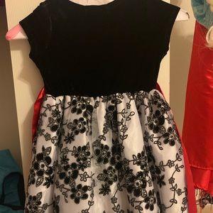 Tahari Dresses - Tahari Girl Size 5, Christmas Velvet Dress
